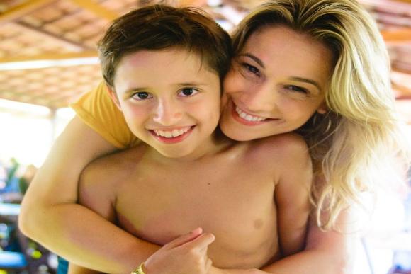 Fernanda Gentil e o filho Lucas, de 11 anos (foto: reprodução/Instagram)
