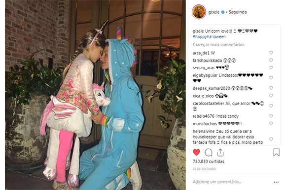 Gisele e a filha escolheram unicórnio como tema para o Halloween (Foto: Reprodução/ Instagram)