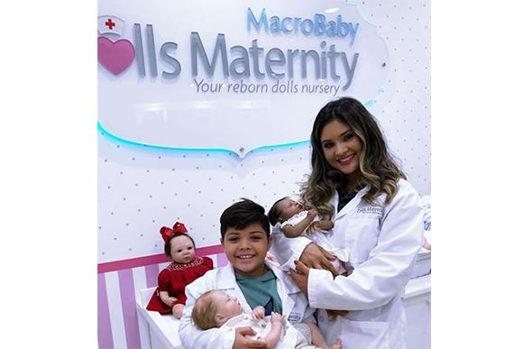 Mileide e Yudhi em loja de bebês reborn - (Foto: Instagram / @macrobaby)