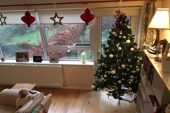 Mas ela não deixou de decorar a casa (Foto: Reprodução/ The Sun)