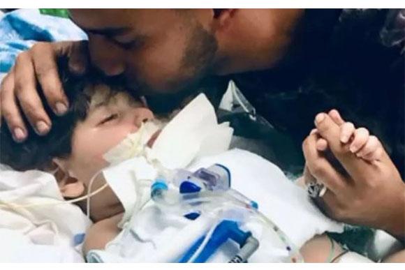 A família luta para ver o filho uma última vez (Foto: Reprodução/ CBS)