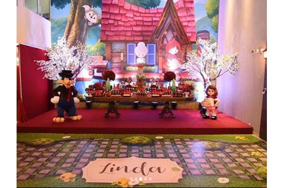 Mesa da festa de Linda (Foto: reprodução instagram)