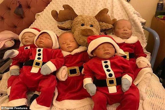 Bonecas Reborn de Bev (Foto: Daily Mail/Reprodução)