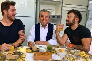 Mauricio de sousa com Mauro e genro