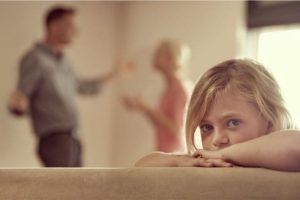 Filhos tendem a ter mais problemas comportamentais quando presenciam brigas entre os pais