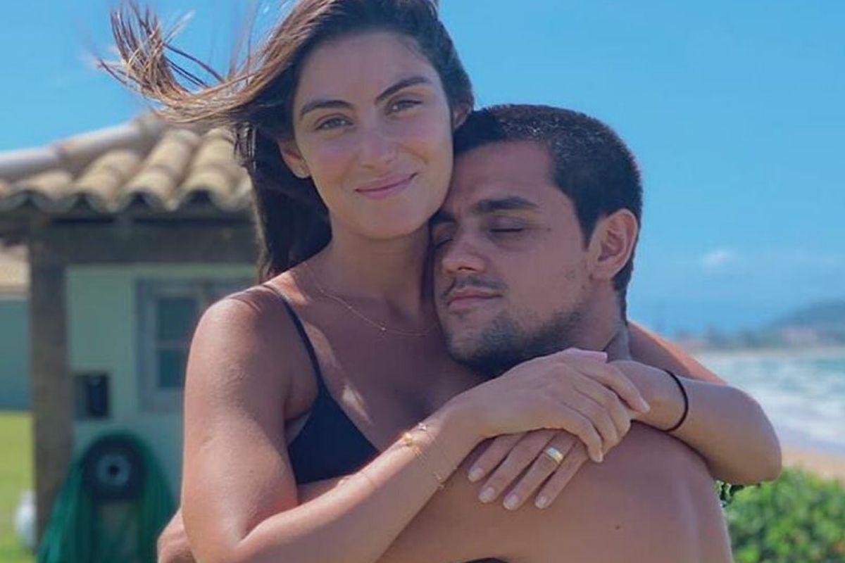 Esposa de Felipe Simas fala sobre estado de saúde do marido e da ...