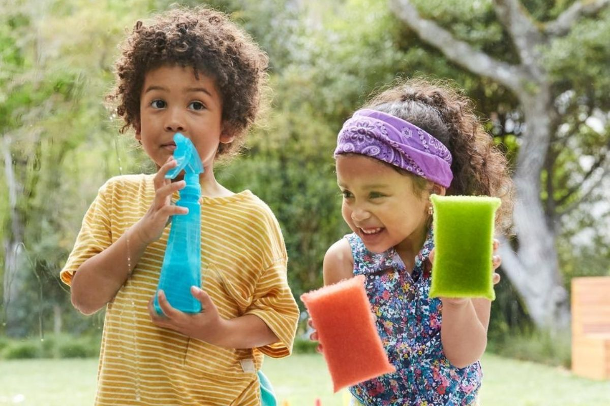 Com atitudes simples você pode começar a moldar o comportamento do seu filho para que ele seja mais independente