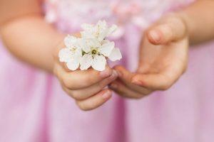 O início da primavera requer cuidados especiais com a pele do bebê