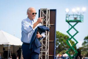 Joe Biden admite que gosta mais de crianças do que de adultos