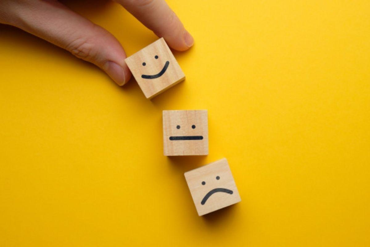 As habilidades socioemocionais ensinam ao seu filho a identificar as emoções e lidar com os sentimentos, além de ajudar a criança a construir e manter relacionamentos saudáveis