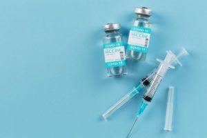 Intervalo entre doses da vacina Pfizer diminui de 12 para 8 semanas