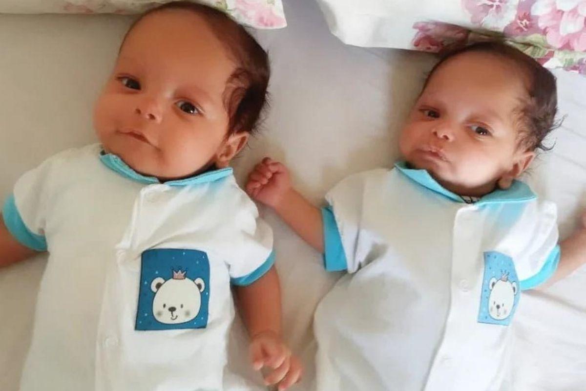 Theo e Arthur nasceram de 29 semanas e hoje em dia estão com 4 meses