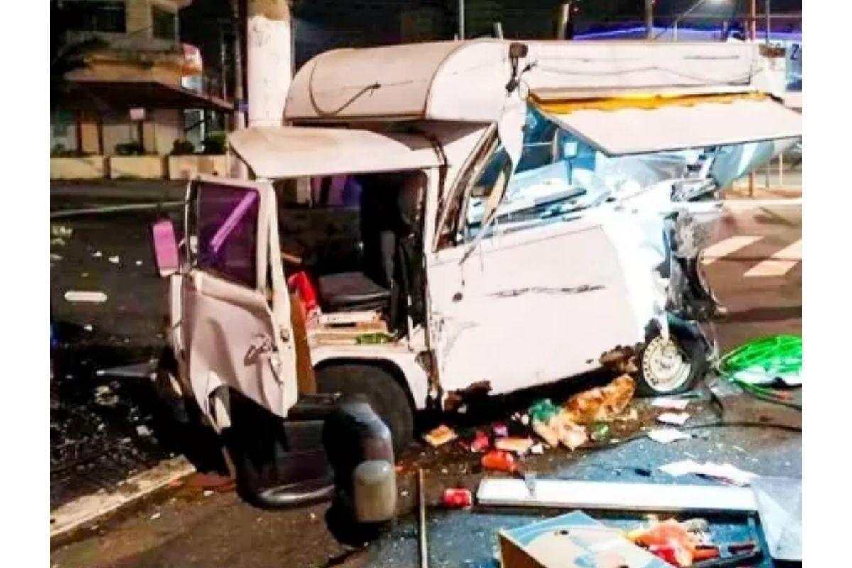 O acidente destruiu a kombi que era usada pela família