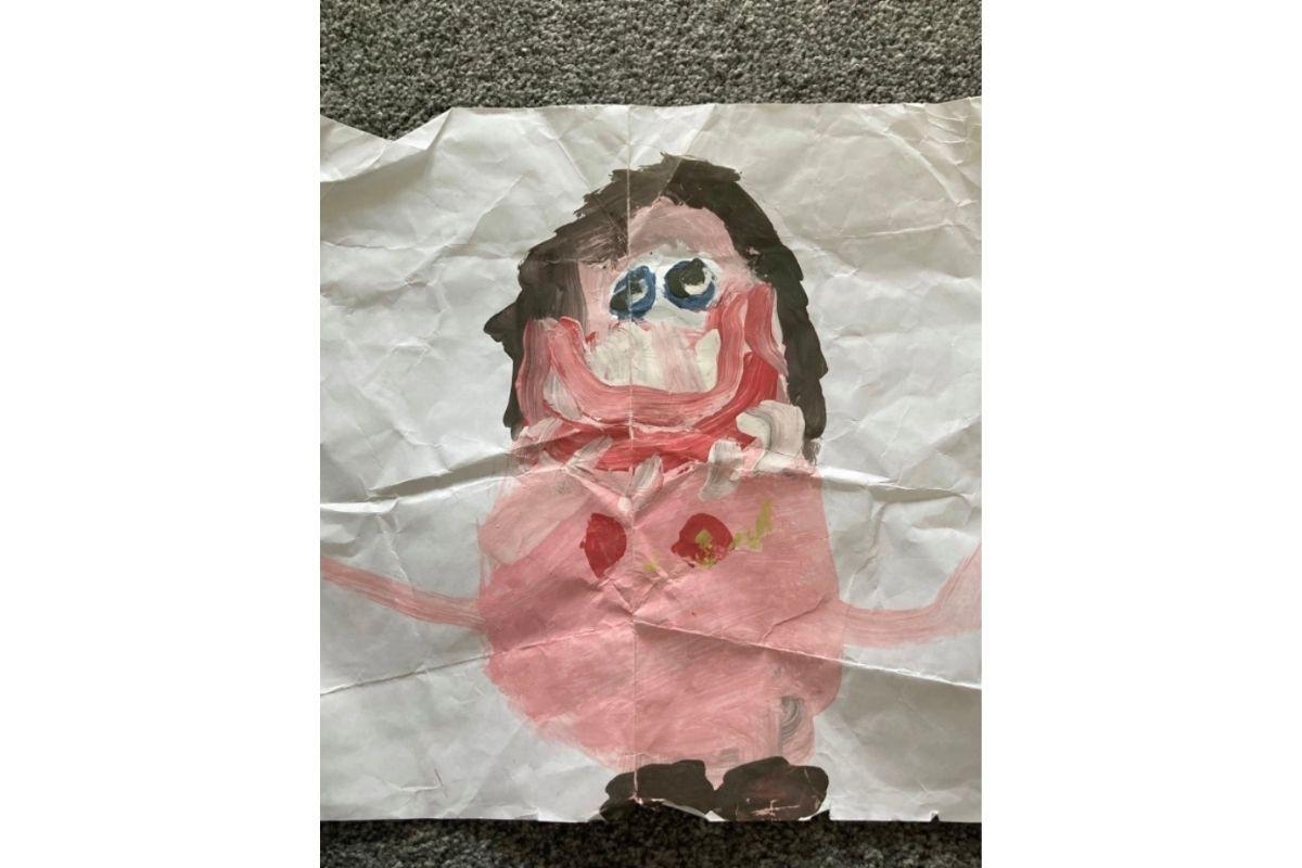 Filho desenha mãe nua na escola