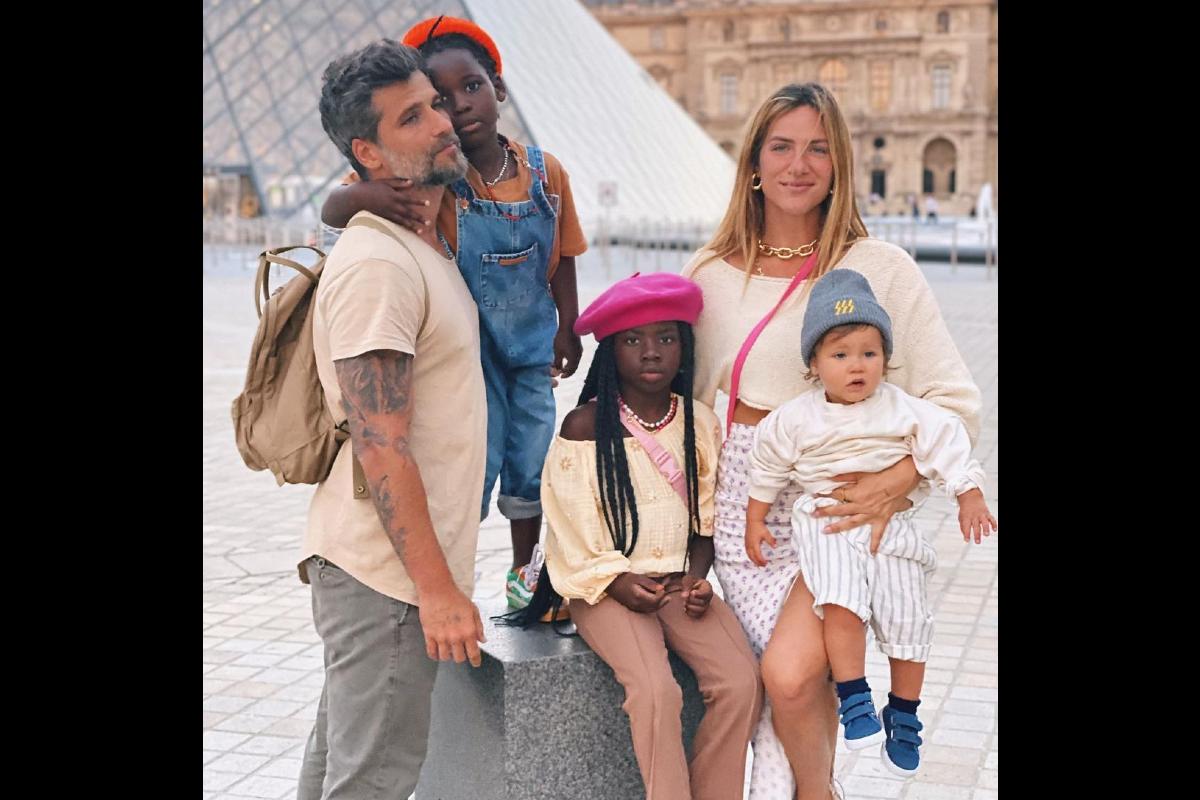 Giovanna Ewbank mostra fotos da viagem em Paris com Bruno Gagliasso, Titi, Bless e Zyan