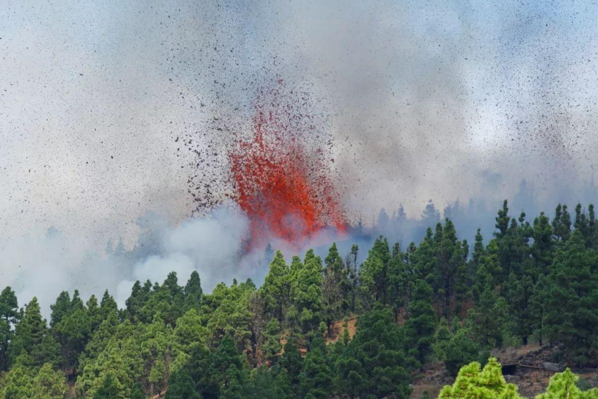 O vulcão entrou em erupção