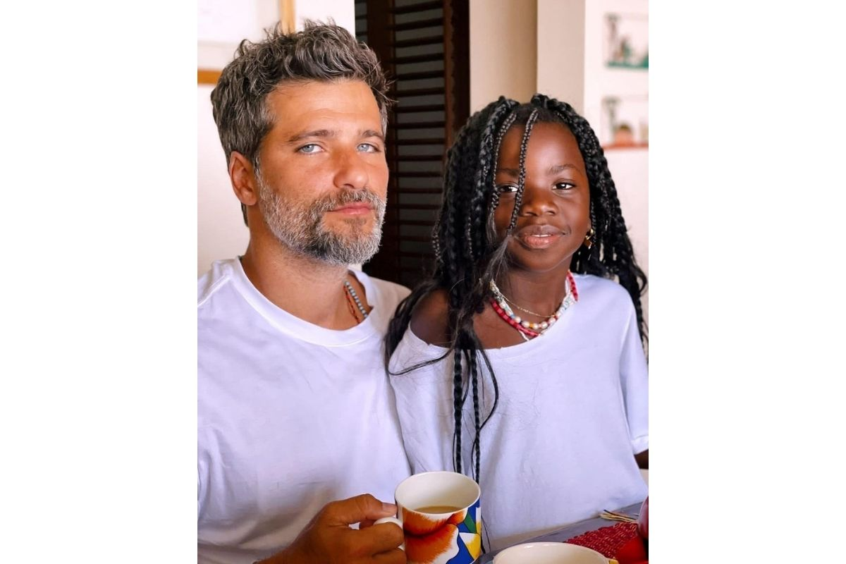 Bruno Gagliasso combinou o look com a filha, Titi