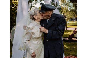 Casal que se casou em 1944 consegue fazer as fotos de casamento 77 anos depois