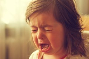 criança não para de chorar