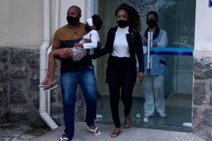 Criança recebe alta no hospital após ser atropelada na calçada