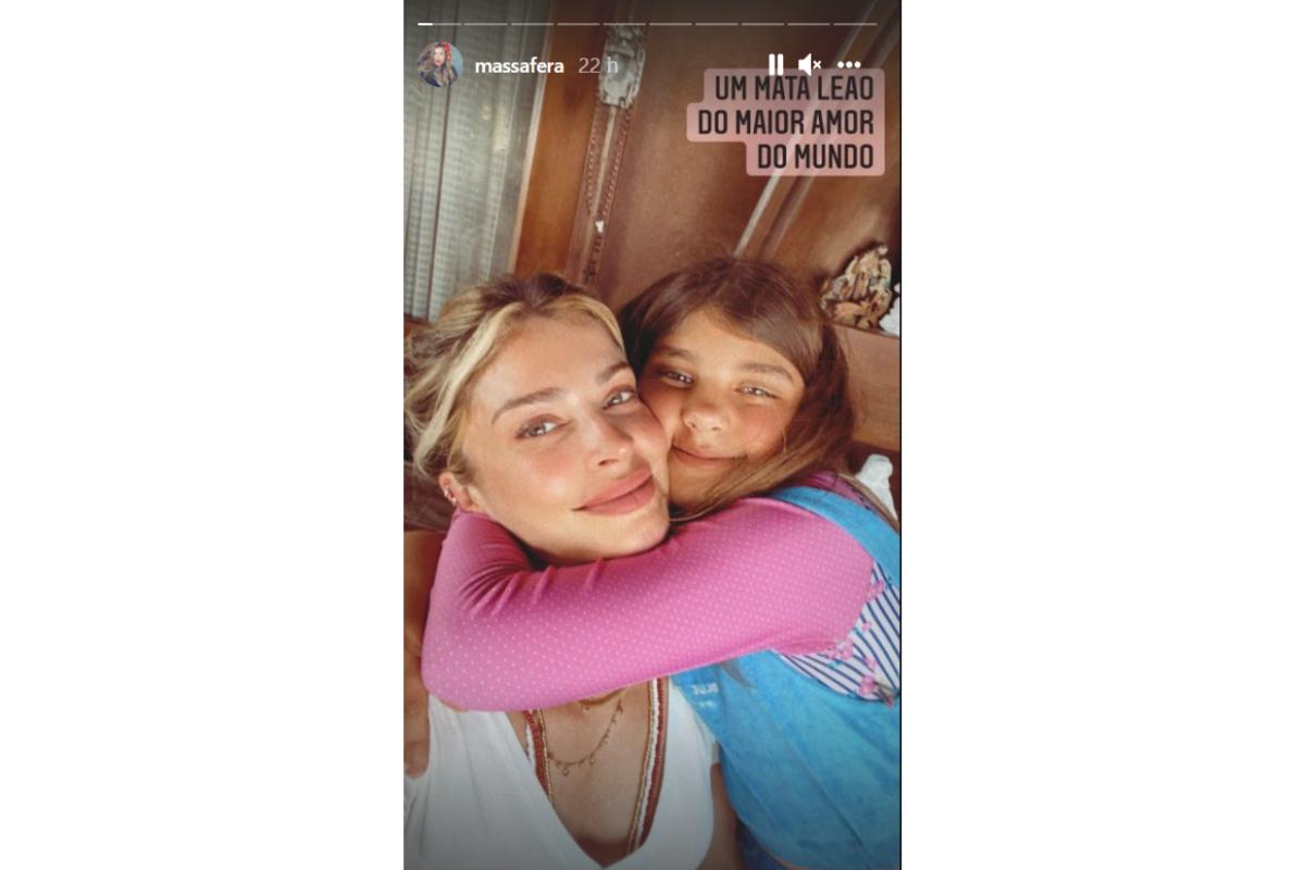 A atriz publicou também nos stories uma foto ao lado da filha