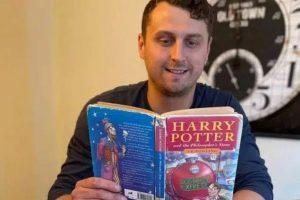 Um homem chamado Harry Potter vendeu umas das primeiras edições de Harry Potter