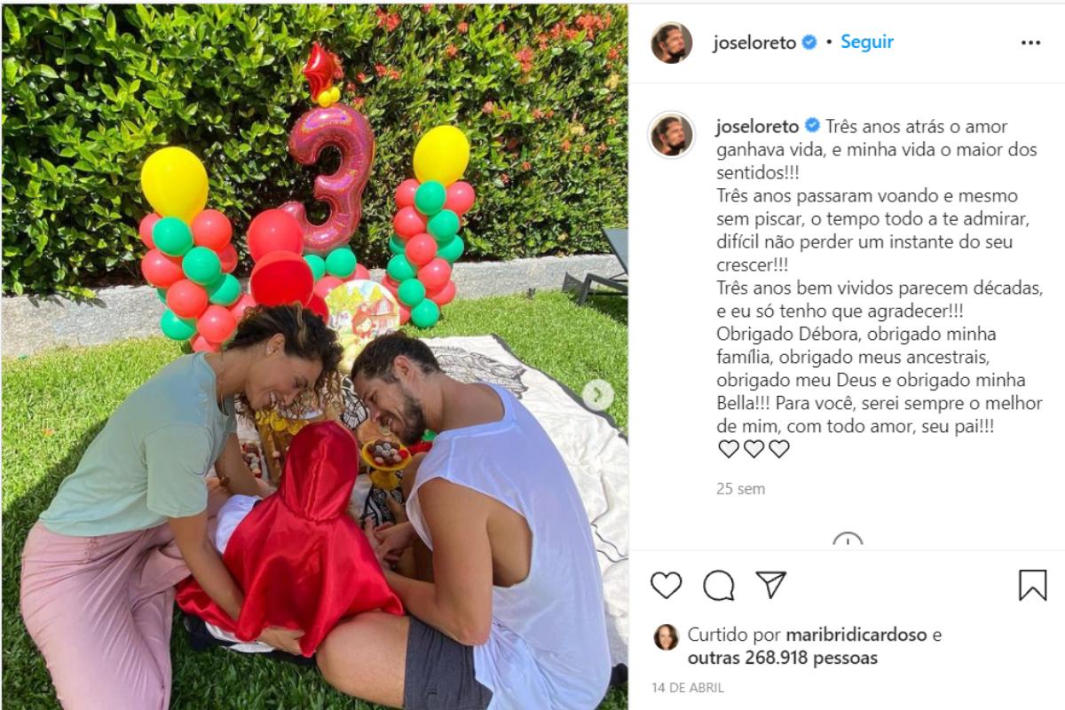 José Loreto comemorando o aniversário da filha ao lado de ex-companheira, Débora Nascimento