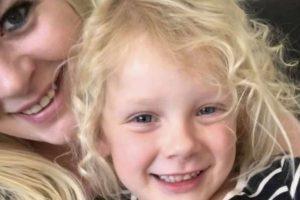 Mãe agride funcionário da escola após deixarem a filha de 6 anos sair sozinha