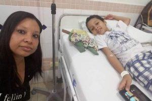 Menino vence o cancer aos 13 anos e mãe comemora dia das crianças com ele