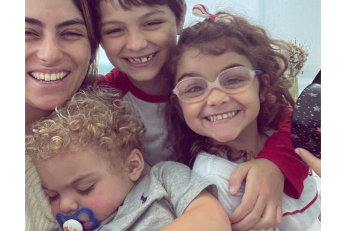 Mariana acompanhou o desabafo de uma foto com as crianças