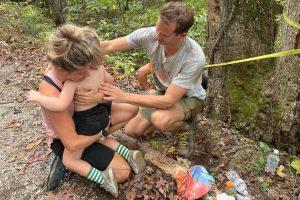 Menino cai de penhasco de 23 metros e sobrevive