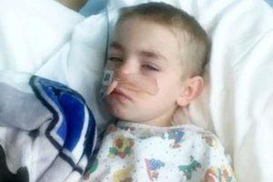 Menino de 7 anos engoliu seis bolinhas de imã e teve o estômago perfurado