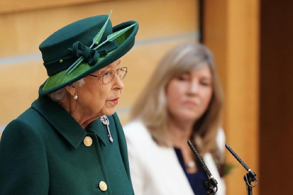 Rainha Elizabeth relembrou que teve boas memórias com príncipe Philip na Escócia durante evento no país
