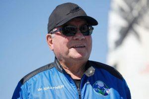 William Shartner pessoa mais velha do mundo a ir para o espaço