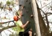 Em Dourado (MS), a escalada é uma das opções para a diversão de toda família