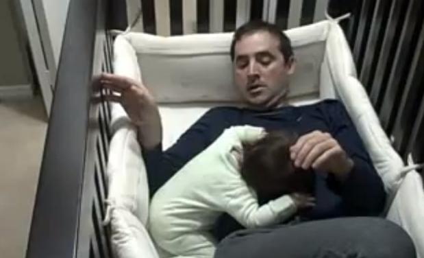 Pai comendo filha e mae